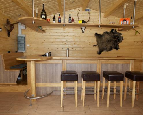 Bar aus Holz