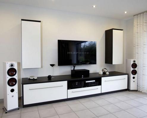 Lowboard und TV-Möbel