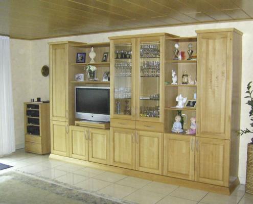 Wohnzimmer-Schrankwand